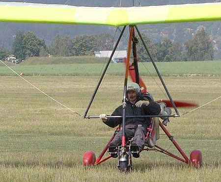 Test. pilot Dominik po prvním letu